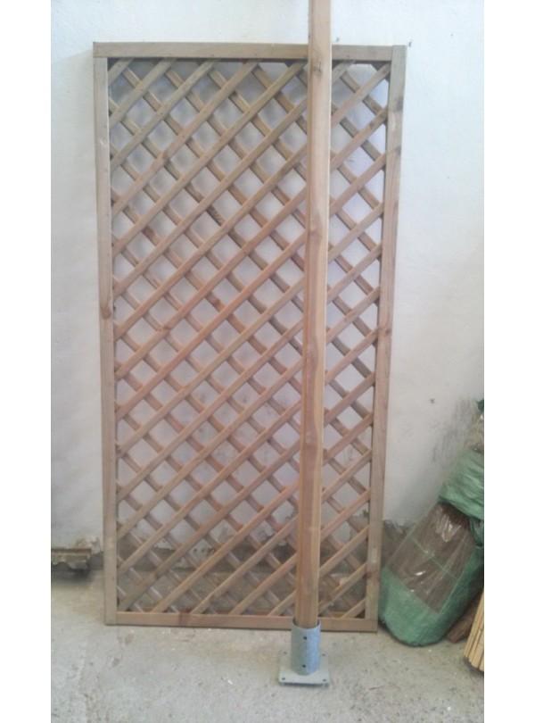 Celos a de madera con marco space for Celosia de madera para jardin
